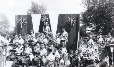 BERNHARD KAZ CONCOURS HIPPIQUE 13 JUN 1964 01