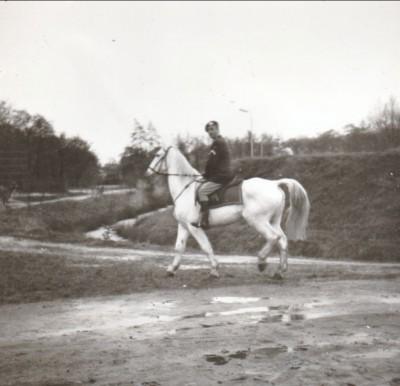 Wachtmeester 1 te paard dec 1964 02