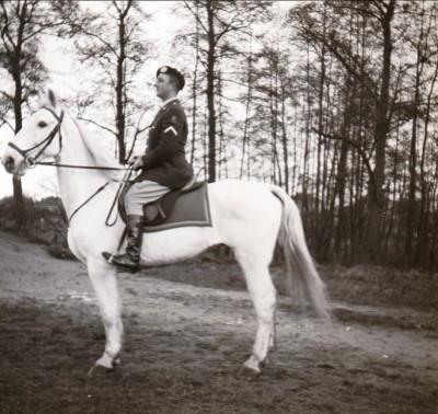Wachtmeester 1 te paard dec 1964 04