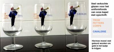 64-02-25 1d Veel verkochte glazen van het Trompetterkorps der Cavalerie