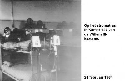 64-03-24 Op het stromatras in de Willem III Kamer 127-aa