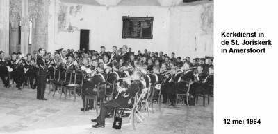 64-05-12 4 Kerkdienst in de Sint Joriskerk in Amersfoort-a