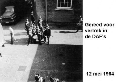64-05-12 Gereed voor vertrek in de DAF's-a
