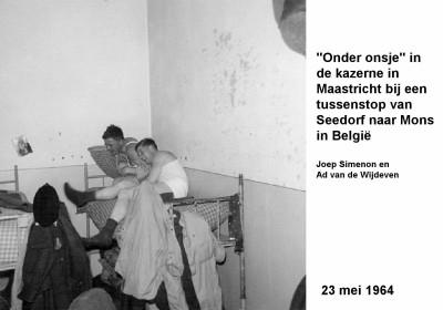64-05-23 'Onder onsje' in kazerne Maastricht op weg naar Mons-a