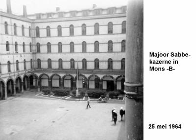 64-05-25 3 Majoor Sabbekazerne in Mons (B)-a
