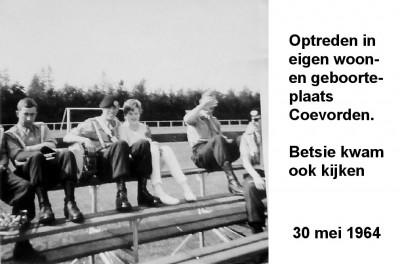 64-05-30 Optreden in eigen woon- en geboorteplaats Coevorden-a