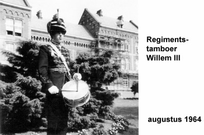 64-08-00 Regimentstamboer Willem III-a